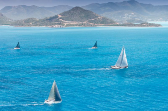Pearns Point Round Antigua Race – Phaedo^3 & Nomad IV Breeze Around Antigua